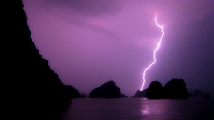 vidstill_lightning2